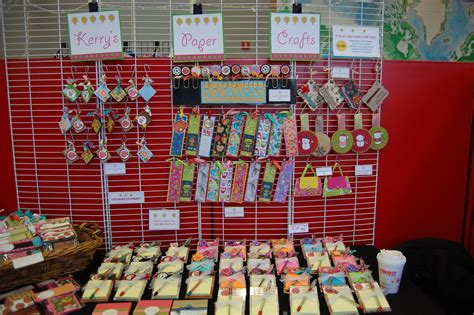 Paper Craft Ideas To Sell - this makes inexpensive items for craft fairs on