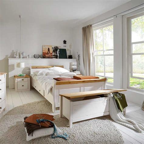 wohnzimmermöbel günstig kaufen bett eichenbalken bauen
