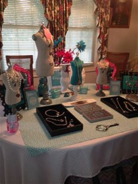 Origami Owl Jewelry Bar Display - 1000 images about vender table set up ideas on