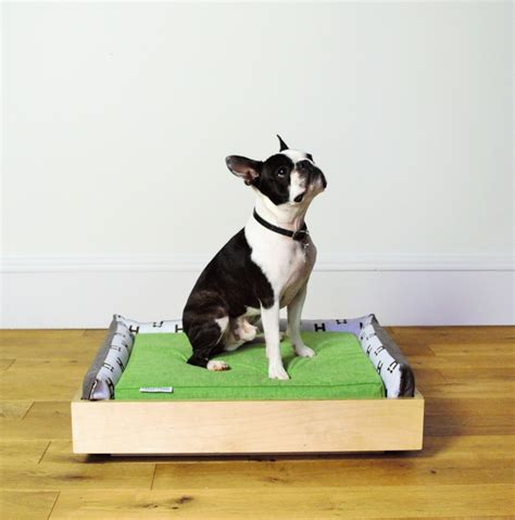 dog couch r jeffrey welch s blog modern dog beds from hund haus