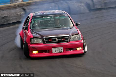 japanese drift cars think pink drifting a japanese cop car speedhunters