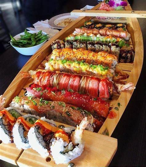 boat sushi sushi boat 700x861 foodporn