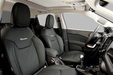 fiat toro interior fiat toro desempenho e consumo das vers 245 es flex e diesel