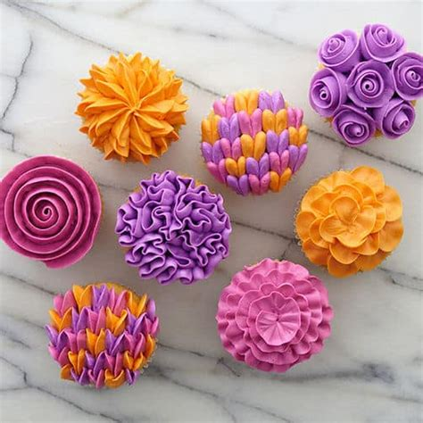 Ways To Decorate Cupcakes With Icing by Learn How To Make The Piping Buttercream The Whoot