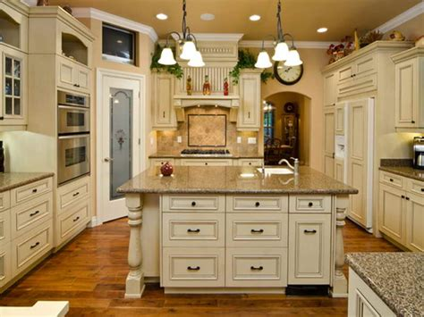 kitchen paint with white cabinets painted antique white kitchen cabinets to paint antique