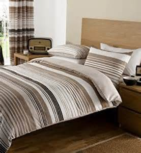 King Size Duvet Sets With Matching Curtains Brown Amp Cream Print King Size Duvet Set With Matching