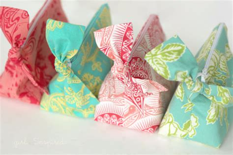 fabric crafts gifts 55 more sewing crafts to make and sell