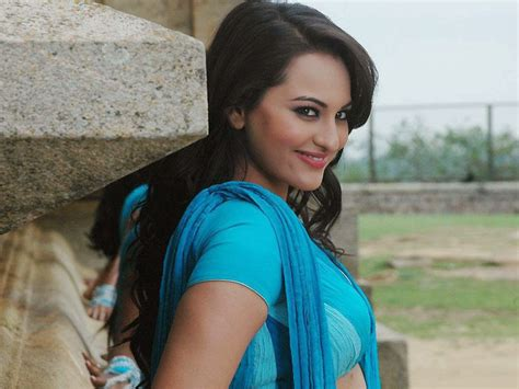 sonakshi sinha hot hd wallpapers gallery blogger tattoo design bild coogled actress sonakshi sinha hd wallpaper collections