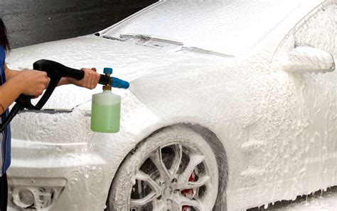 Snow Wash snow a thick snow foam to pre clean your ride