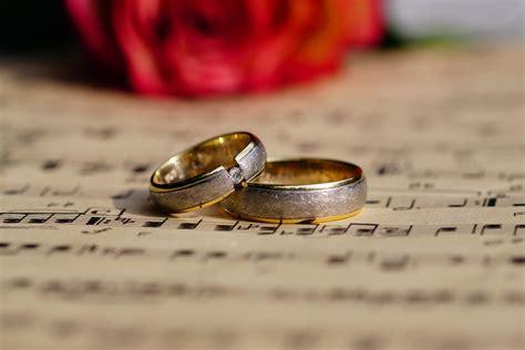 Hochzeit Ringe by Hochzeitsringe Foto Bild Hochzeit Ringe