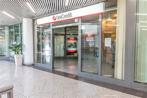 unicredi di roma centro commerciale i granai unicredit di roma