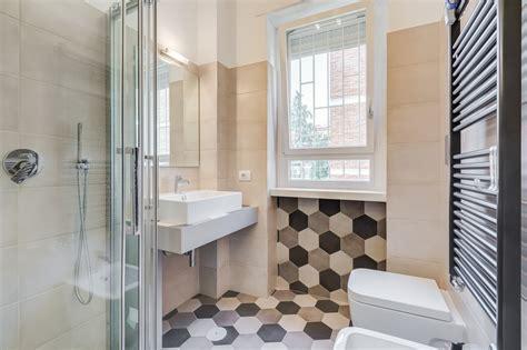come arredare un bagno piccolo con lavatrice bagno piccolo con lavatrice cool arredamento verde per un