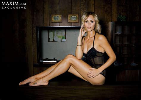 did arianne zucker have a boob job laura vandervoort in maxim magazine march 2014 issue
