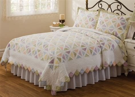 Best Summer Comforter by 10 Best Images About Country Cottage Bedding On
