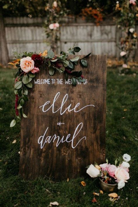15 Chic Greenery Wedding Signs for 2018 Trends   Oh Best