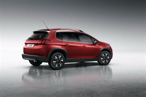 peugeot suv peugeot facelifts the 2008 suv for 2017 89 photos