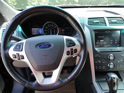 2011 Ford Explorer Interior by 2011 Ford Explorer Interior Pictures Cargurus