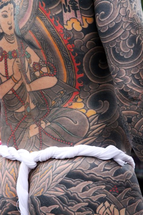 yakuza member tattoo 101 best images about japanese weapons and yakuza tattoos