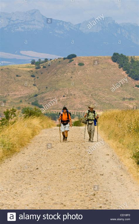 a pilgrim s guide to the camino de santiago camino francã s â st jean â roncesvalles â santiago camino guides books camino de santiago pilgrims on the route the way of st