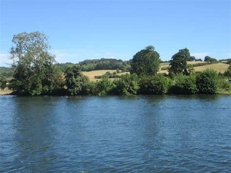 thames river place river thames near hambleden place 169 peter geograph