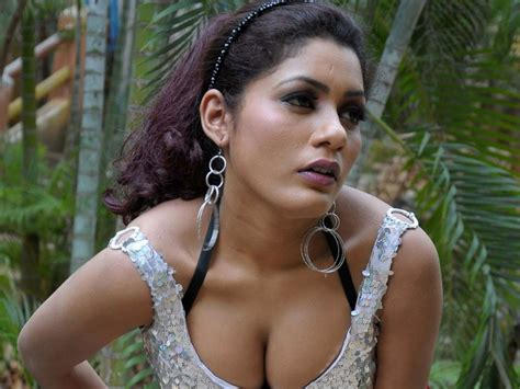 indian film hot songs actress anisha latest hot stills without water mark