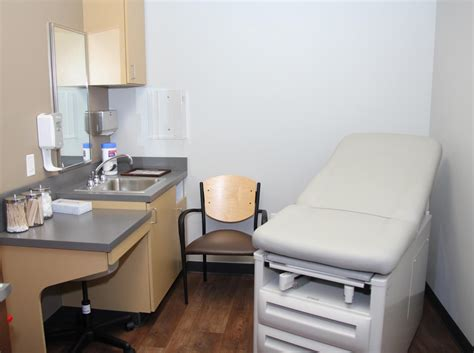 doctor room doctors express urgent care now in narberth pa philly2philly