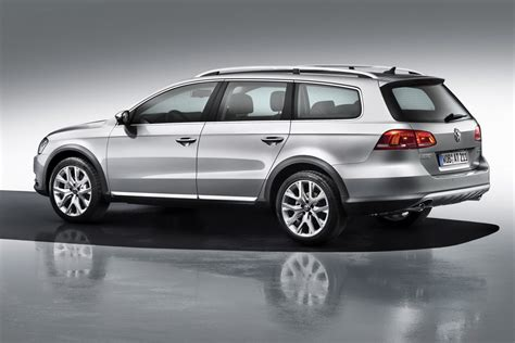 volkswagen alltrack offroad vw passat goes off road with alltrack version will debut