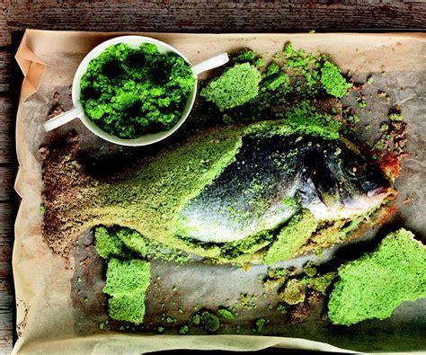 foglie di sedano ricetta orata in crosta di sale alle foglie di sedano la