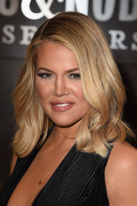 how to do kardashian hairstyles khloe kardashian s short hair is the most versatile cut
