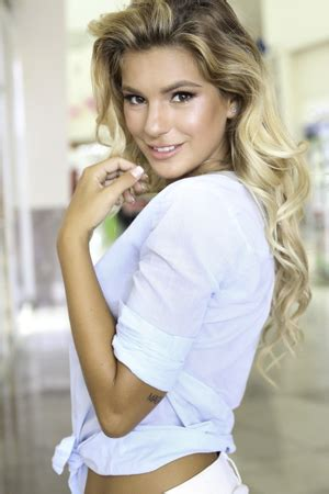 beautiful mail russian and asian dating service