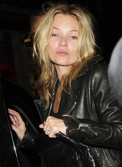 Anistons New Likes Kate Moss And Cocaine by Cele Bitchy Kate Moss Is To Hince S