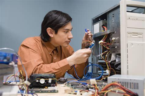 computer technician facts career trend
