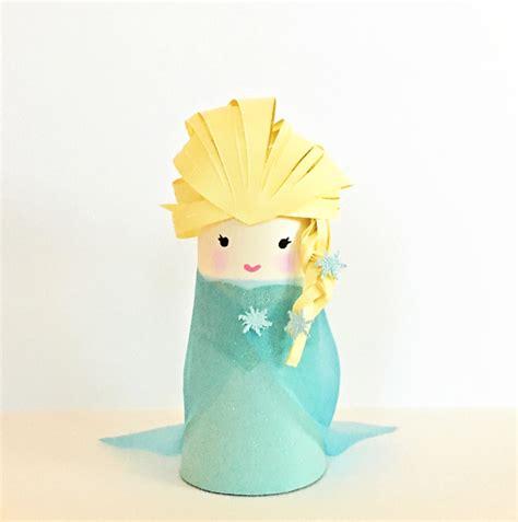 cardboard crafts for cardboard frozen elsa family crafts