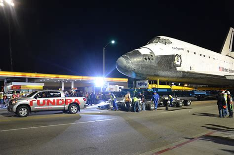 Toyota Shuttle Space Shuttle Endeavour Towed By Toyota Truck L A S