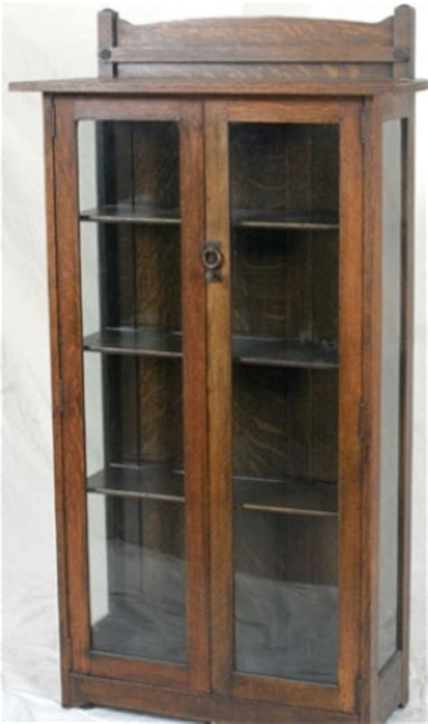 stickley bros 2 door china cabinet with plate rail 2326