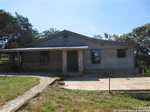 Homes For Sale In Comfort Tx by 107 Durango Pass Comfort Tx 78013 Detailed Property Info Foreclosure Homes Free Foreclosure