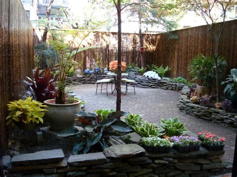 small backyards stealing garden look with small backyard ideas designoursign