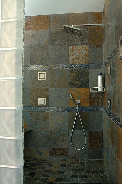 Shower Keeps by Advantages And Disadvantages Of A Curbless Walk In Shower