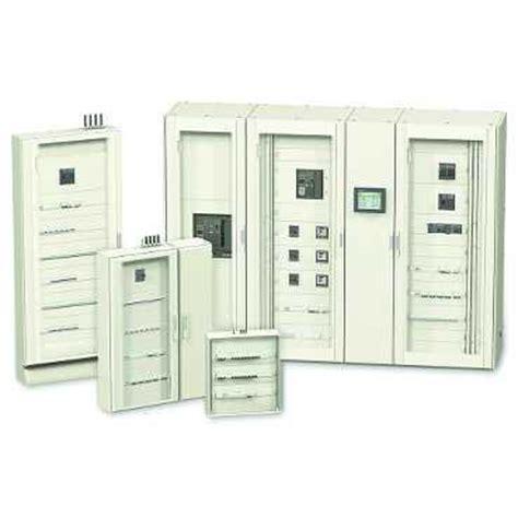coffrets et armoires fonctionnels schneider electric