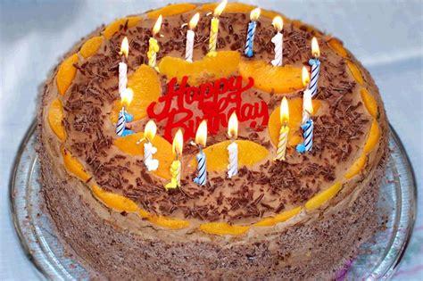 geburstags kuchen file geburtstagskuchen jpg wikimedia commons