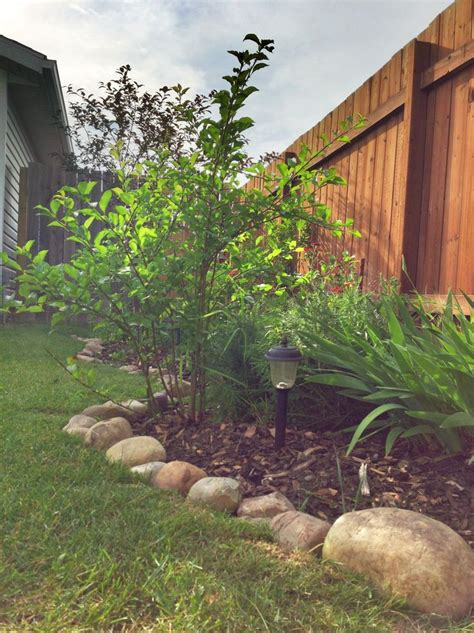 Rocks For Garden Borders River Rock Border For Garden For The Home Pinterest