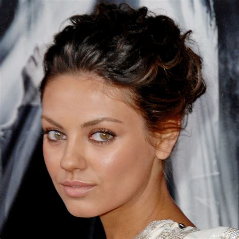 mila kunis eye color mila kunis kate bosworth and 6 with different eye