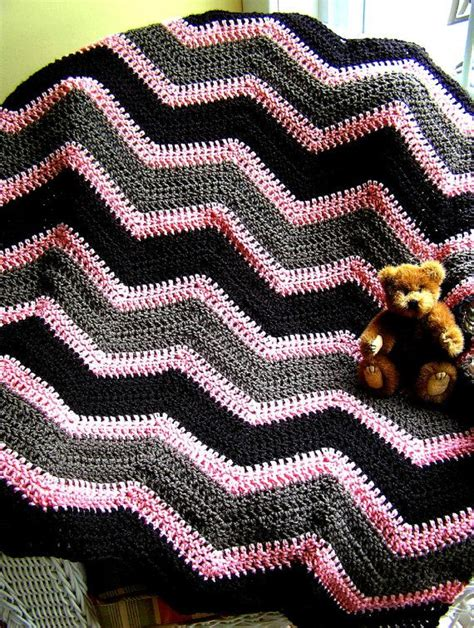 bernat zig zag afghan pattern 56 best crochet zigzag images on pinterest filet