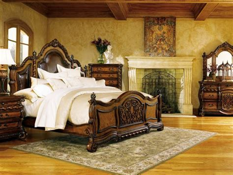 Tuscan Style Bedroom Decorating Ideas by I This Beautifully Carved Bedroom Set But I Imagine