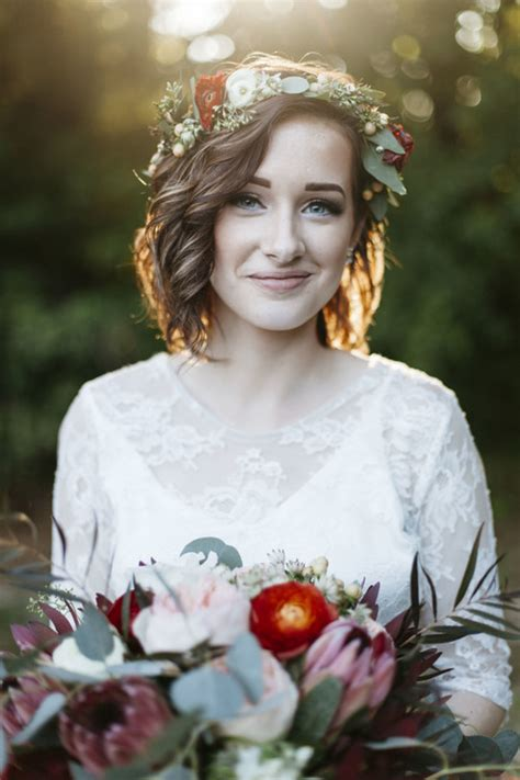 wedding hairstyles hair wavy 8 gorgeous wedding hairstyles for brides with hair