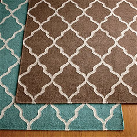 quatrefoil design definition quatrefoil rug rugs ideas