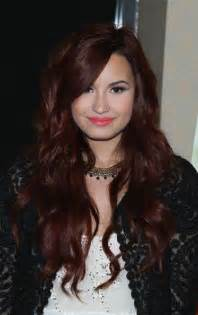 demi color demi lovato s flowing waves at a seventeen cover