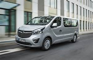 Vauxhall Vivaro Combi Opel Vivaro Combi Biturbo Lwb 2014 Pr