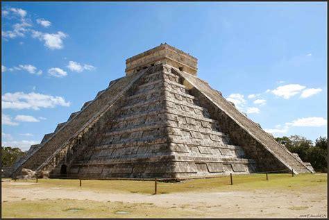 imagenes piramides mayas monumento tenochtitlan ciudad azteca maya