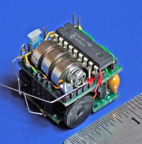 building small robots making  cubic  micro sumo